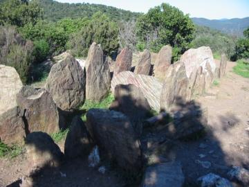 medium_dolmen.JPG