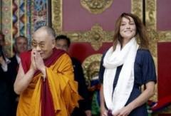dalai-lama-et-carla-bruni-sarkozy_208.jpg
